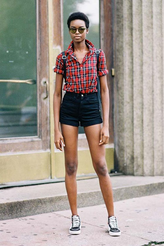 13 Outfit Ideas When Shorts Are All You