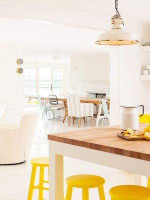 10 Yellow Kitchen Ideas That Are Anything But Kitschy