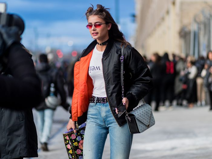 Easy '90s Outfits: Bomber Jacket and Jeans