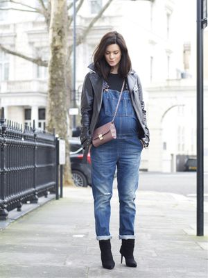 These Overalls Are Perfect for Expectant Mothers