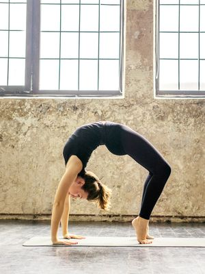 Yes, You Can Use Yoga for Bloating—an Instructor Shares 5 Foolproof Moves