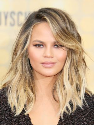 The 5-Ingredient Sheet Pan Recipe Chrissy Teigen Just Made for Her Family