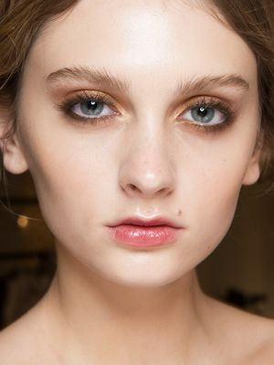 Calling All Smoky Eye Fans: Here Are 6 Brown Looks to Soften Things Up