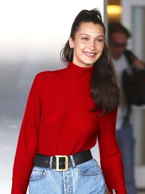 Bella Hadid's Airport Jeans Are So Much Cooler Than Regular Mom Jeans