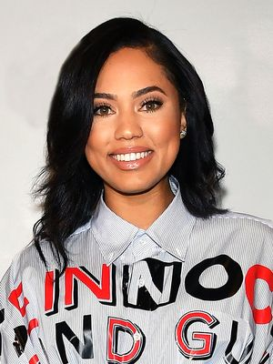 """Move Over, Martha: Ayesha Curry Is Hosting a New """"Food Fight"""" TV Show"""