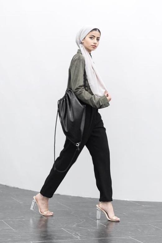 eid outfit ideas black pants green top statement heels
