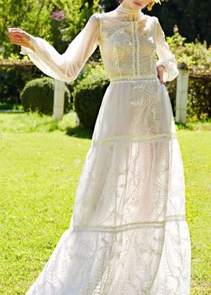 15 Beautiful Country-Style Wedding Dresses We're Dreaming About