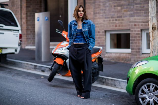 While nipped-in waists and skinny jeans can slenderise your figure, that doesn't mean that you need to avoid baggier silhouettes altogether. This season's resurgence of wide-leg pants...