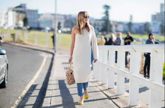 On the other end of the spectrum is minimalist style at it's finest. This look proves that even something as classic as jeans and white top can be an amazing outfit when adapted with...