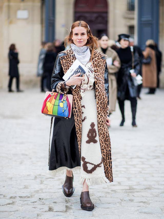 Street style leopard print coat