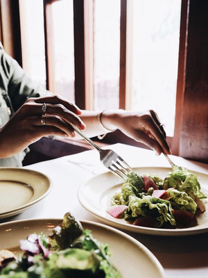 This Is What Happens to Your Body When You Stop Eating Carbs After 2:30 P.M.