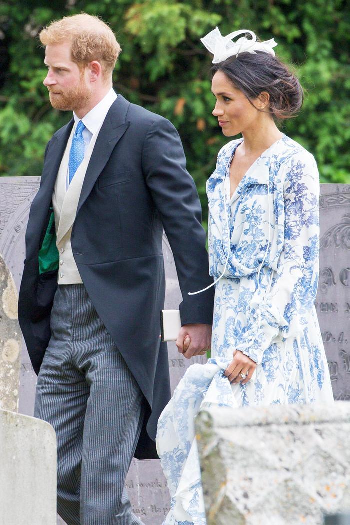 Meghan Markle outfit: blue and white floral print dress by Oscar de la Renta