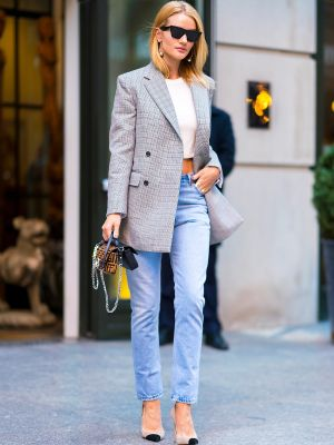 My Dream Summer Aesthetic in 7 Rosie Huntington-Whiteley Outfits