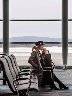 """There's Such Thing as a """"Jet Lag Diet""""—Here's Exactly How to Follow it"""