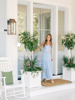 This Charming Wraparound Porch Is Straight Out of The Notebook