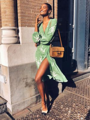 20 Gorgeous Wedding Guest Dresses That All Have Sleeves