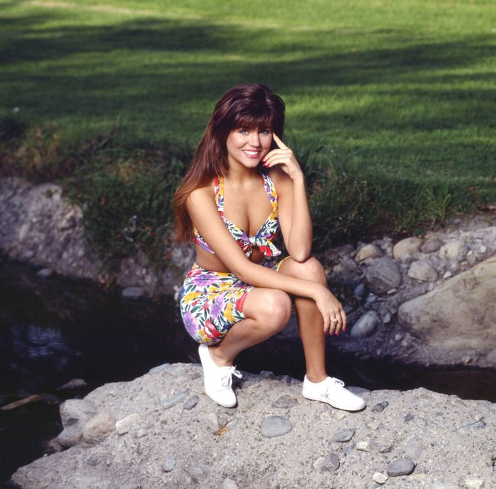 Kelly Kapowski Inspired Outfits That Are So 2018 Who What Wear