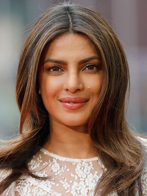 For Real: This DIY Face Mask Gives Priyanka Chopra Her Natural Glow