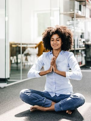 3 Simple Breathing Exercises to Try When Anxiety Strikes