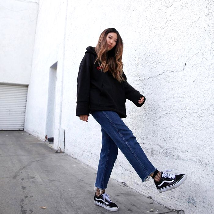 arco Quemar Sombreado  Here's How to Wear Vans Like the Fashion Crowd | Who What Wear