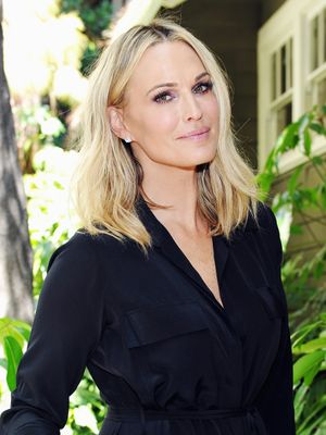 Exclusive: 6 Essentials Supermodel Molly Sims Won't Board a Plane Without