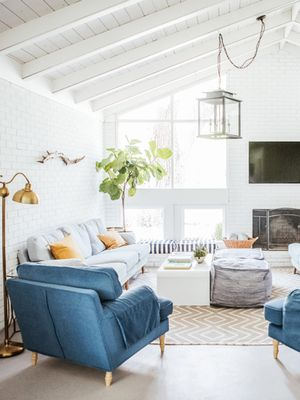 Paris to Provence: 20 Stylish Family Room Ideas From Homes Around the World