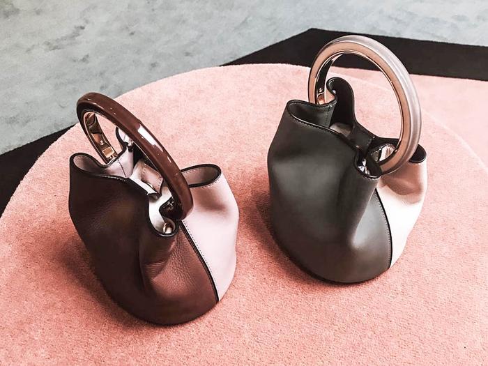 two-tone handbags street style