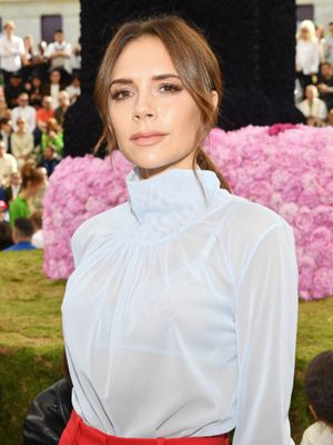 Victoria Beckham Loves This Fancy Face Mask, So Now I Love This Fancy Face Mask