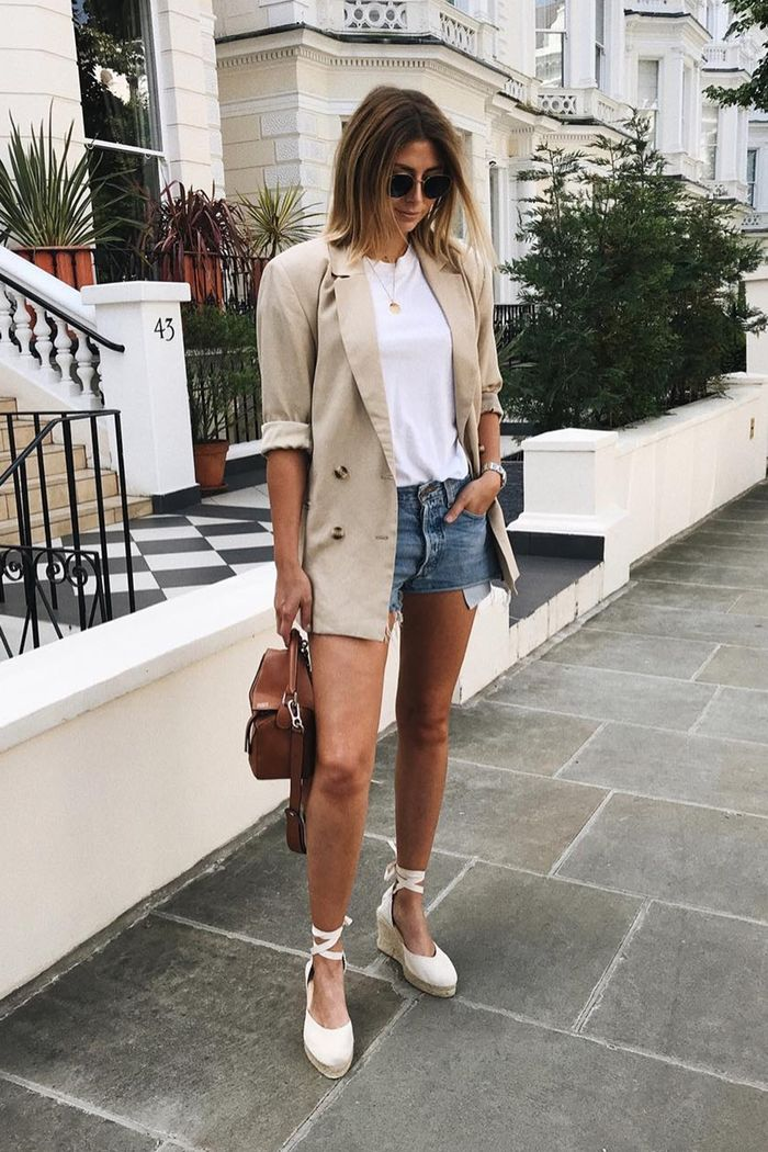 London shoe trends: Emma Hill wearing Manebi espadrilles, a nude blazer, and a white T-shirt