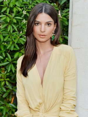 Emily Ratajkowski's Double-Diamond Wedding Ring Is Honestly Jaw-Dropping