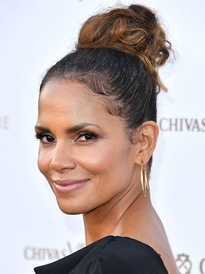 Halle Berry Reveals Her Secret to Looking 25 (It's Homemade and Free)
