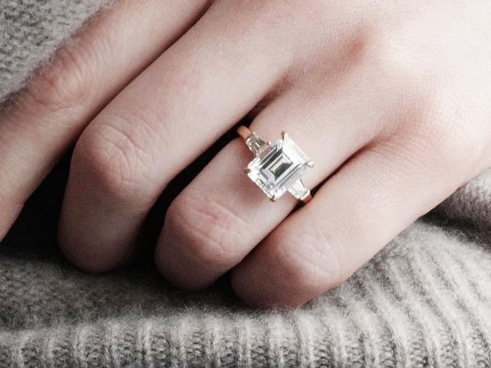 diamond carat sizes: Ashley Zhang wearing engagement ring