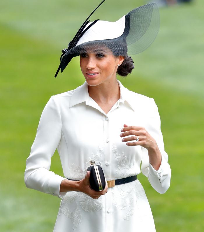 Meghan Markle Handbag: Carrying the Givenchy Sating Clutch With Jewellery Clasp