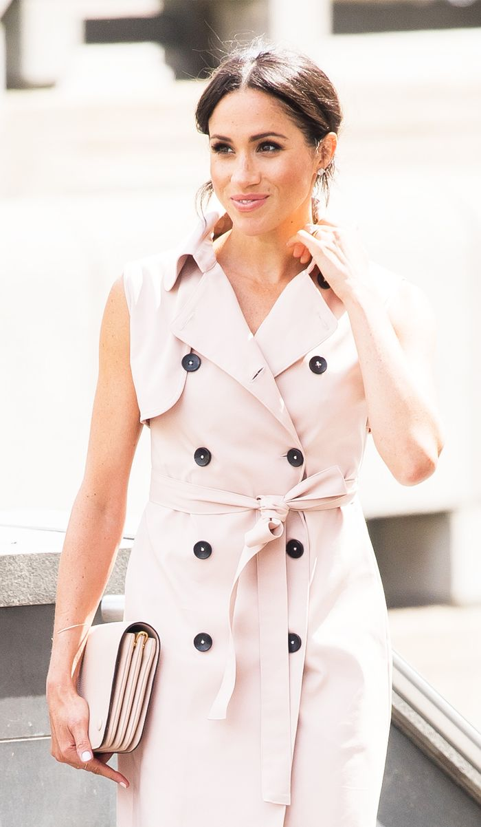Meghan markle sleeveless trench dress: