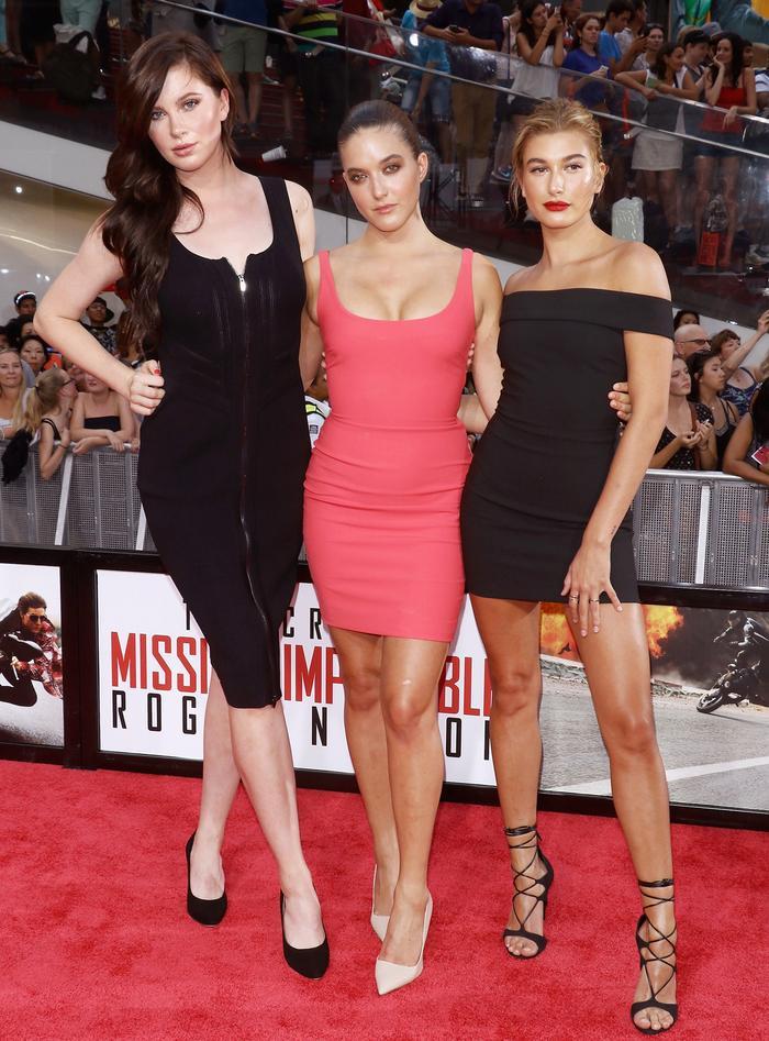Ireland Baldwin, Alaia Baldwin, and Hailey Baldwin on the red carpet