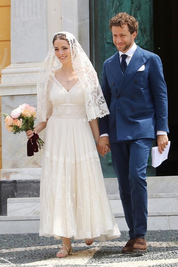 Bee Shaffer's wedding look in Italy