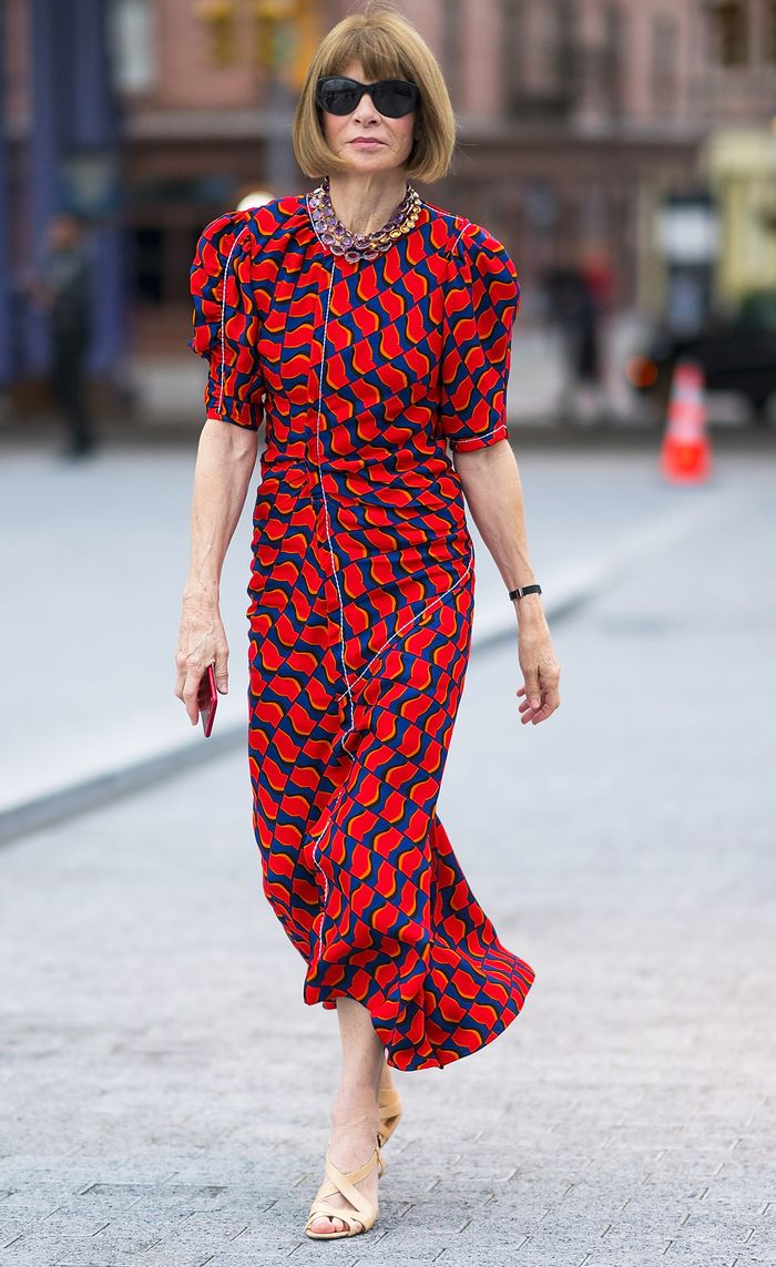 Anna Wintour summer uniform: Red dress and nude sandals