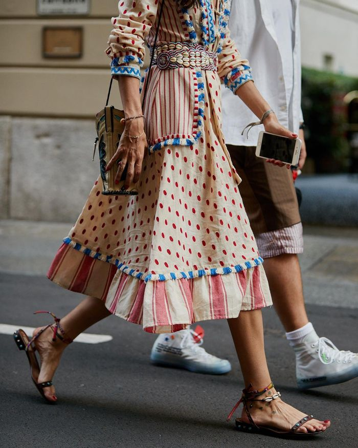 7 of the Best Shoes to Wear With Midi Skirts | Who What Wear