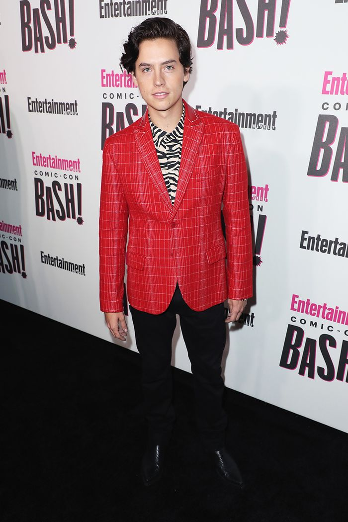 Cole Sprouse - comic con party - zebra fall trend 2018