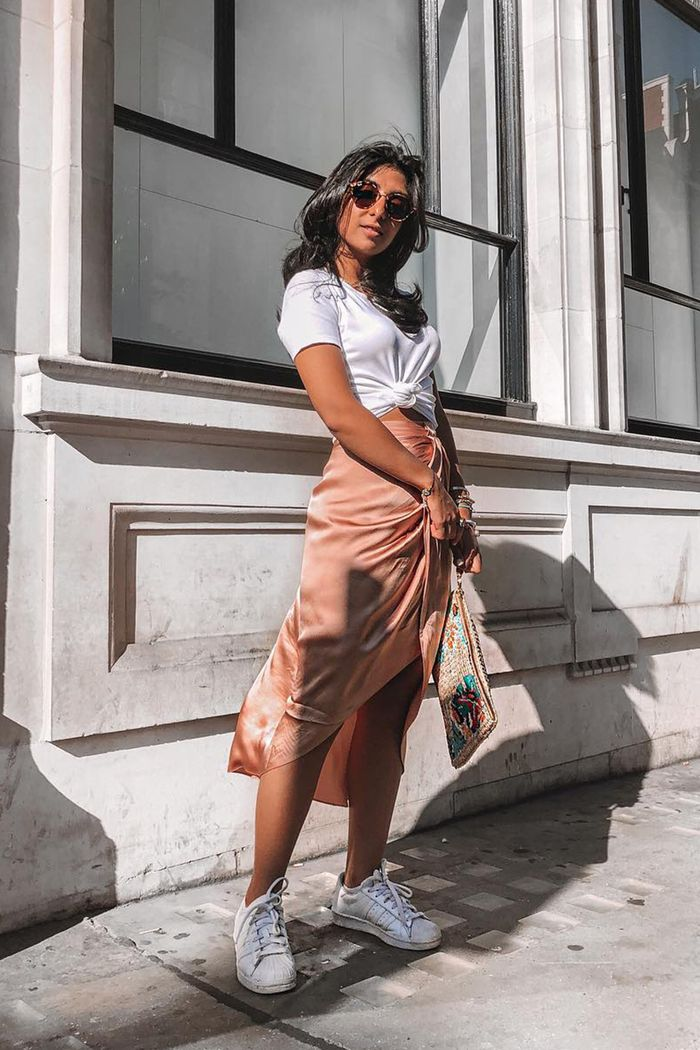 96 of the Chicest White Sneaker Outfits