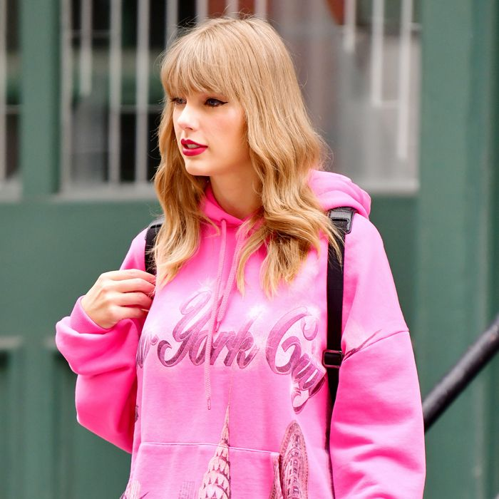 All The New York Trends Taylor Swift Is Wearing Who What Wear