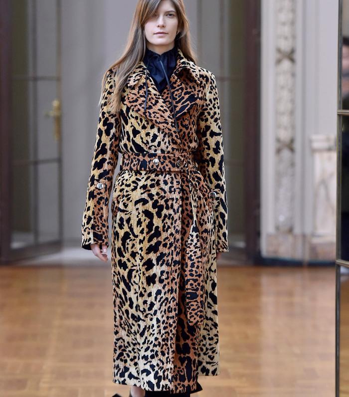 coat trends 2018: Victoria Beckham Animal print coat