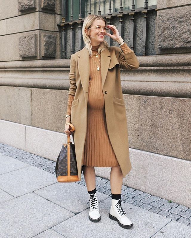 You can never go wrong with a monochrome outfit, no matter the season. And especially, if it's in a neutral color. Simply throw on some comfy combat boots and go.