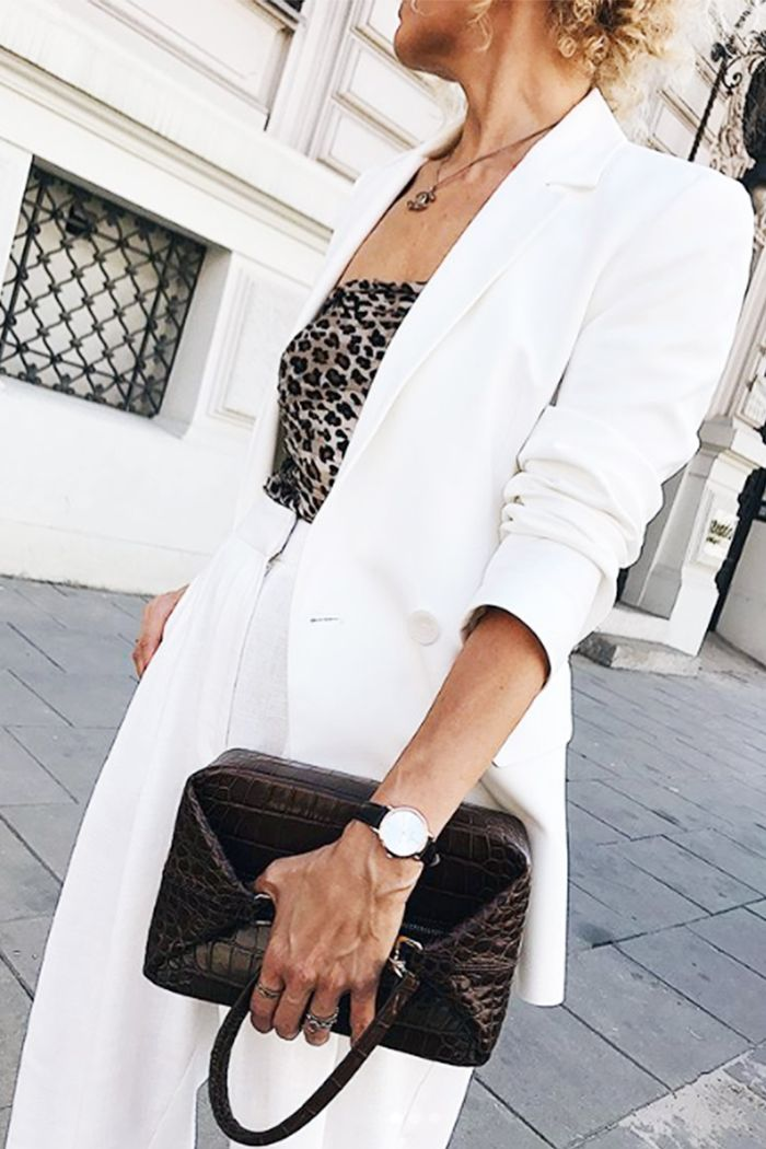 Style advice Ven's Wife Style: Renia wearing white blazer and trousers