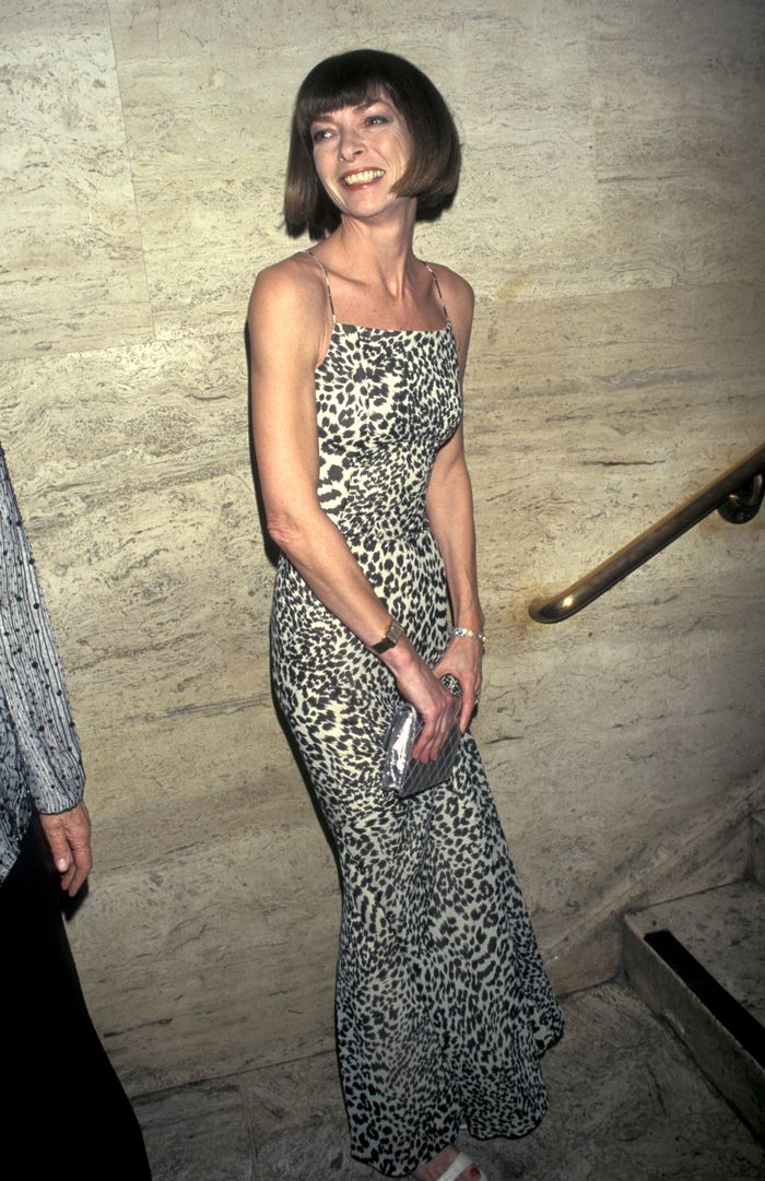 Chic Anna Wintour trends: Anna Wintour wearing leopard print dress