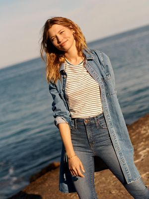 """These New $135 Madewell Jeans Have """"Holds-You-In Sorcery"""""""