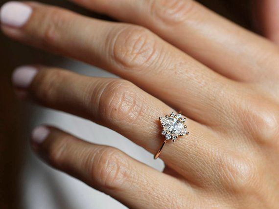 26 Eye-Catching Marquise Engagement Rings