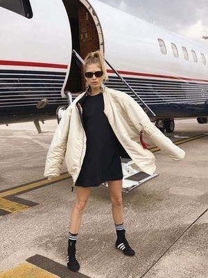 This Latest Instagram Pose Will Make Your Next Flight 10 Times More Annoying
