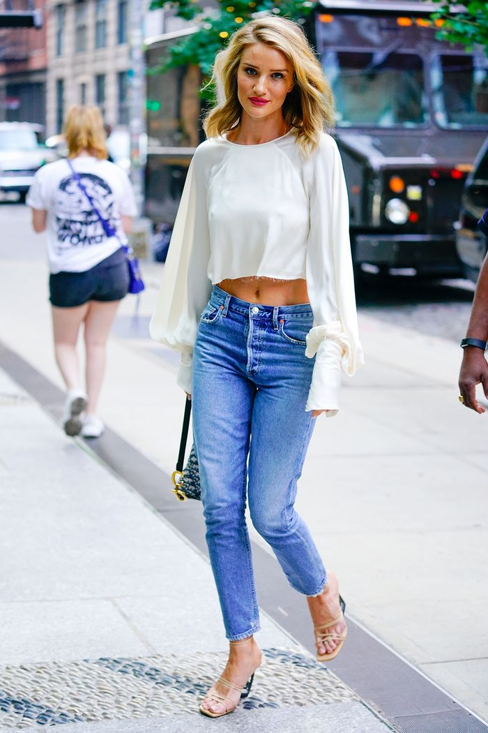 Rosie Huntington-Whiteley white blouse and jeans outfit
