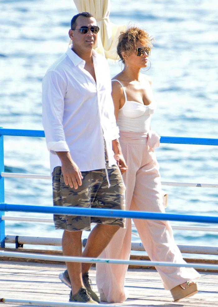 Jennifer Lopez affordable style